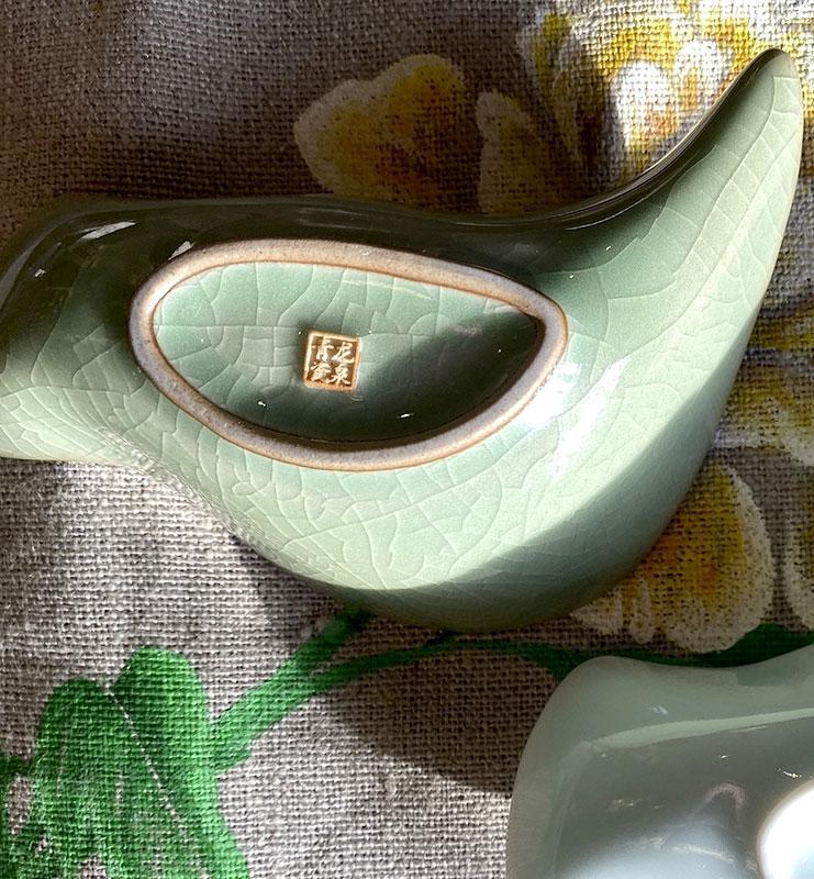 Чахэ из фарфора Цин Ци для подачи чая «Цинци птица»  - фото 3
