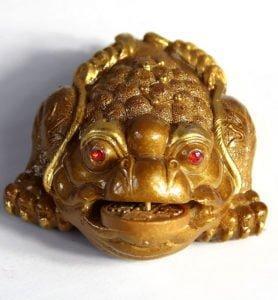 Трёхлапая жаба меняющая цвет