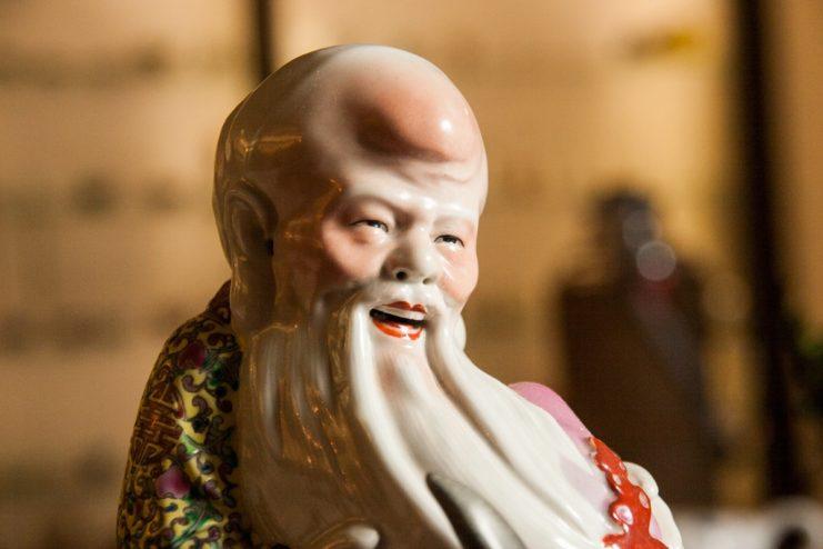 Статуэтка фарфоровая «Лао Цзы на журавле»
