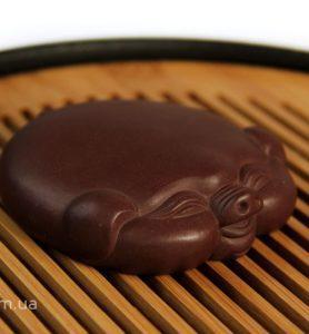 Чашень «Плоская хрюня», чайная фигурка свиньи из глины  - фото