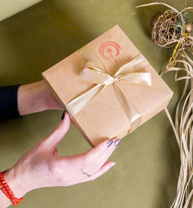 podpiska 04 - Крафтовая картонная подарочная коробочка