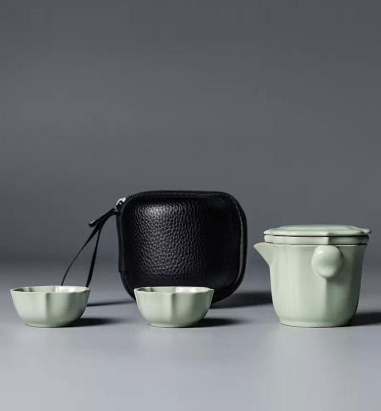 img 2719 741x800 - Сервиз керамический Жу Яо на 2 персоны в черном кофре